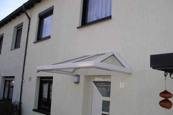 Vordach aus Aluminium Profilen eckverschweisst in 71088 Holzgerlingen