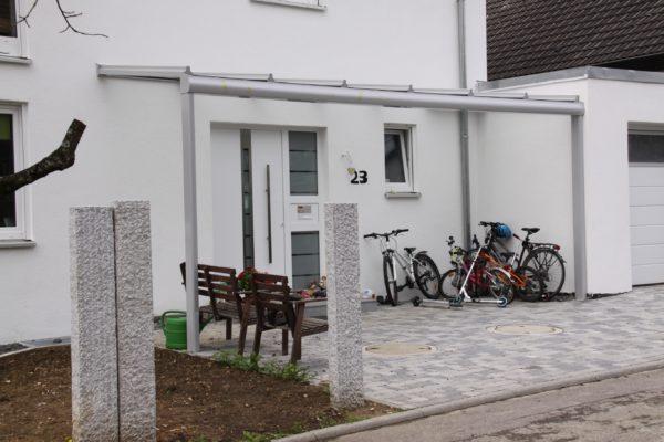 Überdachung Ihrer Haustür oder Vordach auf Pfosten in 70569 Vaihingen