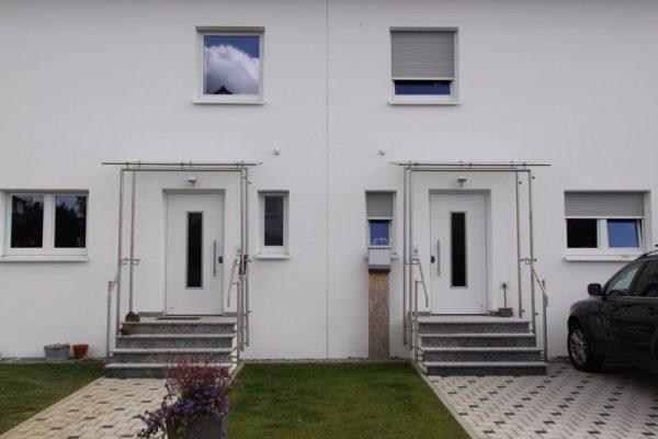 2 Haustueren nebeneinander in Neubau in 71083 Herrenberg