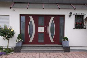 Haustüre mit Seitenteil mit Automatikschloss in 72141 Walddorfhäslach
