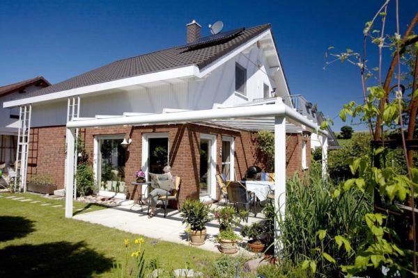 Terrassendach als Eckkonstruktion aus Aluminiumprofilen in 71297 Mönsheim