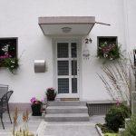 Haustüre mit Betonvordach in 71034 Böblingen Dagersheim