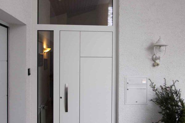 Haustüre mit Seitenteil und Oberlicht