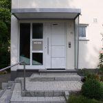 Haustüre mit Briefkasten in 71111 Waldenbuch Nähe Ritter Sport