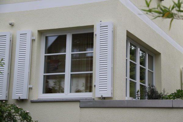 Holz Fenster mit Sprossen in weiß