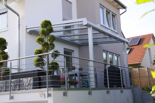 Überdachung Terrasse auf Garage in 71069 Sindelfingen