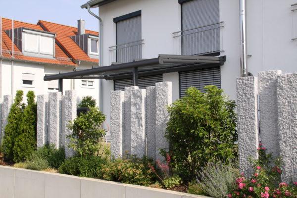 schmale feine Terrassenüberdachung aus Aluminium in 71157 Hildrizhausen