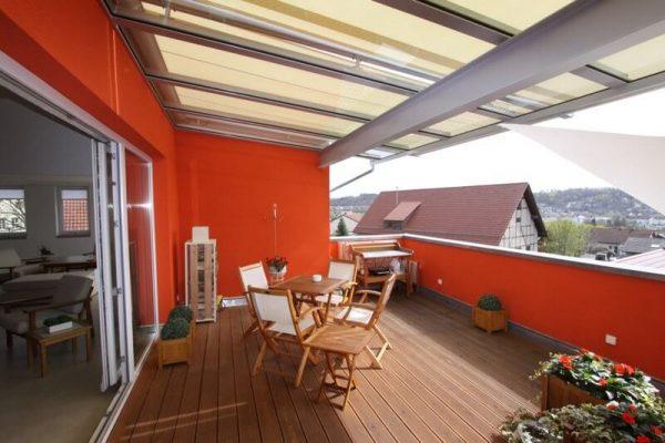 Terrassendach-oder-Balkonueberdachung-mit-Unterglasmarkise-fuer-ein-Penthouse-in-71083-Herrenberg