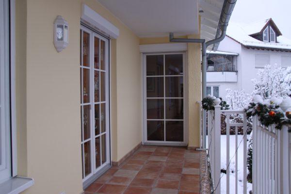 Terrassentueren mit Vorbaurollladen der Marke Roma