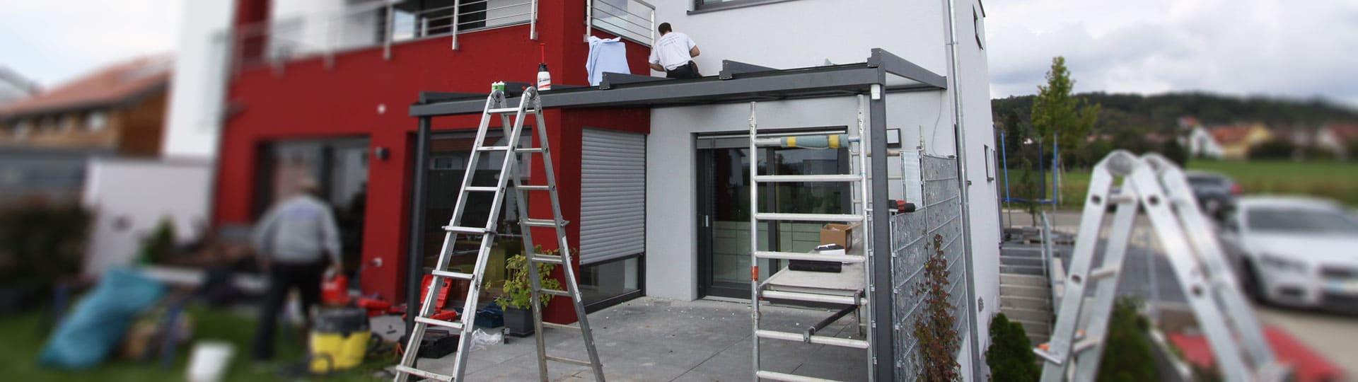 Einblicke in die Montage einer Terrassenüberdachung Headerbild